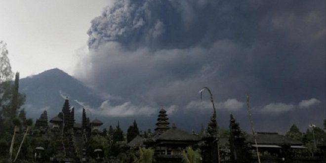 Image result for ইন্দোনেশিয়ায় আটকা পড়েছেন কয়েক হাজার পর্যটক